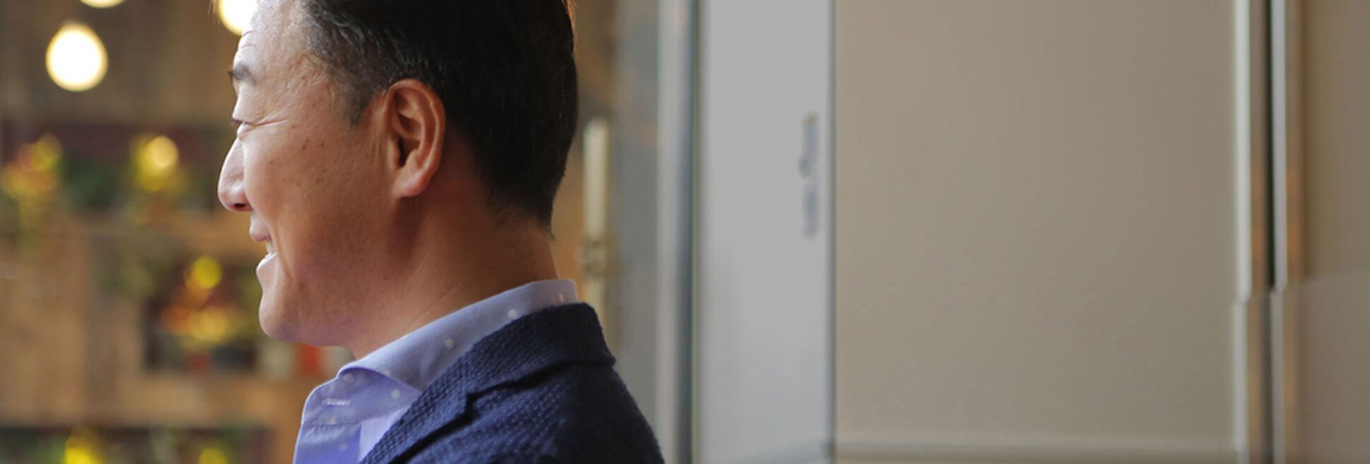株式会社HUGE CEO 新川 義弘